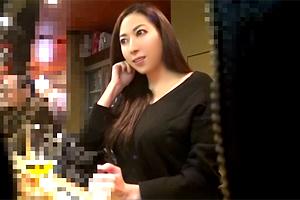 【盗撮】トドメの日本酒でホロ酔いの巨乳人妻を居酒屋からお持ち帰り!