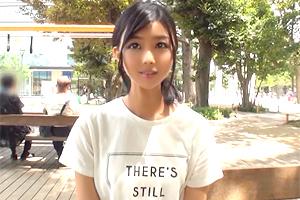 竹田ゆめ 白ワンピースが似合う真夏の美少女が人生初のオーガズムに達する…