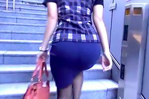 タイトスカートのデカ尻たまんねぇ。安産型OLを尾行した結果…