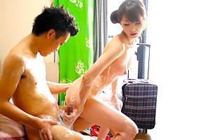 大橋未久 美人ソープ嬢が突撃訪問で密着濃厚サービス!