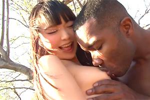 なつめ愛莉 アフリカの原住民と日本のロリ系美少女がエッチな異文化交流!