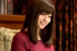 新山沙弥 初恋だった母の友人、10年ぶりの再会で想いをぶつける!