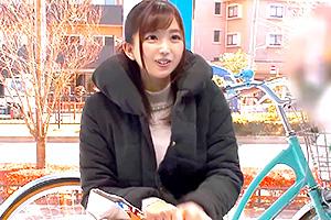 【マジックミラー号】大量潮吹き!バイブ付き改造自転車でイキまくる人妻
