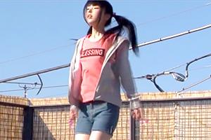 【レイプ 】縄跳びで遊ぶロリ少女にドラッグイラマチオ!白目剥いちゃってる…
