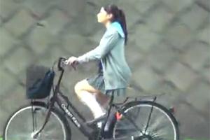 【素人レイプ】田舎道を自転車通学してる巨乳JKを拉致して中出し!