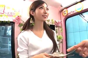 【マジックミラー号】インテリも現金に弱い。高学歴女子大生が素股でズボッ!