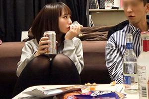 【盗撮】他の男と浮気するマン汁ダラダラのドM女子大生とのSEX動画