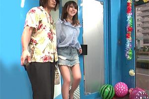 【マジックミラー号】彼氏とデート中の神スタイル美女がマシンバイブ体験!
