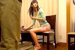 麻倉憂 人見知りで大人しい人妻が王様ゲームで中出し乱交!