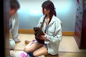 【盗撮】工場パートを始めた巨乳嫁が学生バイトに寝取られてた…
