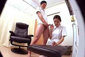 【熟女】「上手く取れるかしら…」熟年看護師が精液検査で…