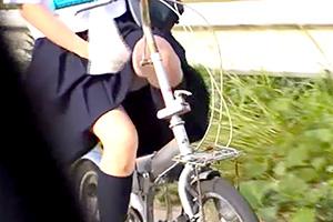 【JK】自転車のサドルオナニーで感じすぎてガクガク…