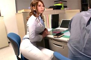 佐山愛 むっちり巨乳ボデイの女上司が残業中に誘惑してきた…