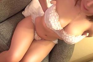 【素人】抱きしめたくなる肉感ボディの巨乳美女をナンパハメ撮り!