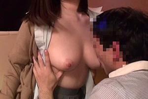 川菜ひかる ハッスルタイムに手マンされた巨乳おっパブ嬢の生SEX動画