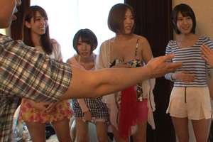 AV女優たちが素人男女がヤリまくってる乱交サークルに飛び入り参加!