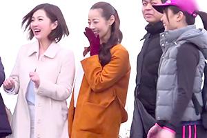 【熟女】温泉宿で知り合った人妻と大学生が意気投合して王様ゲーム!