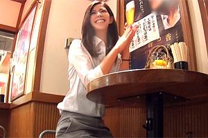 【素人】スタイリッシュな美人OLを居酒屋からホテルに連れ込む!