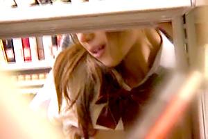 【レイプ】本棚の死角を利用してJKを狙う痴漢魔の手口