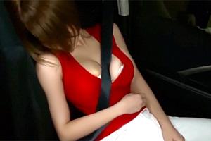 君島みお 助手席で眠り込んだホロ酔い人妻の寝取られカーセックス映像