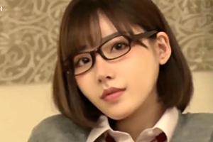 深田えいみ クラスでは大人しい文系少女の放課後の裏の顔がこちら