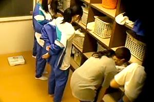 【盗撮】合宿先の女子寮に仕掛けられたカメラの隠し撮り映像