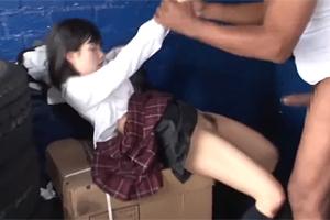 涼宮琴音 立てなくなるまで黒人デカマラで犯された日本人の少女