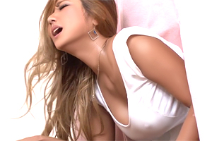ERIKA 「あぁー、入ってるッ!」巨乳ギャル人妻を妊娠検査で寝取る!