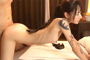 水森翠 全身タトゥーの女脱獄犯が人質を中出しで犯しまくる!