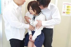 かすみ果穂 美人な女教師が男子生徒の言いなりで淫らになってしまう!