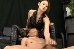 竹内紗里奈 知的で真面目そうなドS美女がボンテージを着てM男を調教!