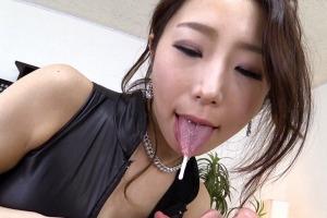 篠田あゆみ 巨乳女王様の乳首責め高速手コキでM男失神KO!ペニバンでアナルまでガン堀り!