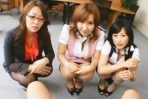 北原夏美 宮崎あい こんな会社が実在するとは!入社後チンコの身体検査があるなんて!