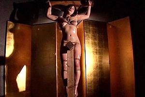 上原亜衣 碧しの 全裸で緊縛拘束された美女!三角木馬がまんこに食い込み悶え苦しむ!