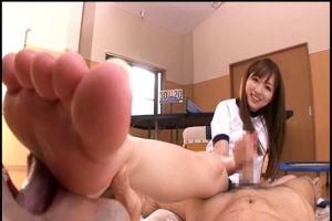 麻倉憂 ブルマ姿の美少女が美脚でちんぽを足責め!手コキしながら足裏を舐めさせ足コキ突入w