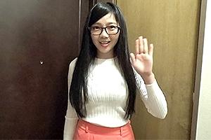 徐棋涵 台湾で現地女子大生ナンパ!ニットで強調された胸がエロ過ぎな剛毛まんこのロリカワ娘