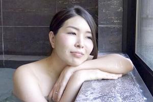 河瀬みゆき 温泉旅館で体を重ねる人妻がエロい!他人棒で喘ぐ姿が最高w