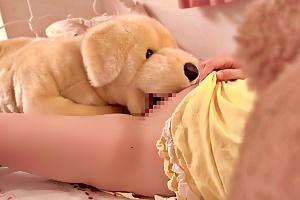 松下ひかり 早瀬ありす 突然ぬいぐるみが性欲に覚醒!美少女を襲い出してイマラチオから顔面射精