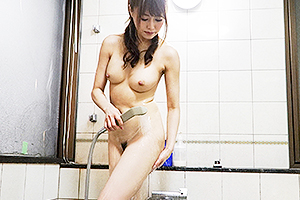 吉沢明歩 シャワー中の巨乳美女を盗撮!お風呂を出たら即イラマチオさせられザーメン顔射w