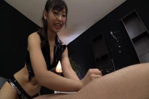 神ユキ ボンデージ姿の美女が手コキフェラでザーメン発射!射精後も手コキを止めないドS痴女