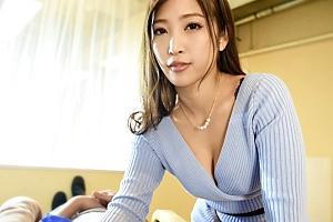 【VR】水川スミレ 胸元強調した卑猥な巨乳谷間で誘惑する美人美容師の淫語痴女プレイ