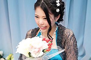 【マジックミラー号】結婚式終わりでパーティードレス姿の未婚女子が人生初3P!