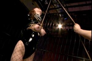 湯川みなき 目隠し拘束されたボンテージ女をSM調教!緊縛され吊るされたままおっぱいに器具装着