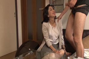 年下の男にナンパされた五十路熟女!デカマラ巨根で浮気セックスする姿を隠し撮りしちゃう