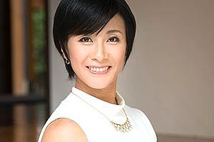 【初撮り人妻ドキュメント】中山香苗 健康的に日焼けした美人妻の肉欲が漲るSEX!