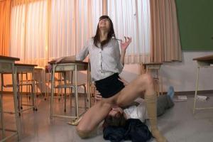 神波多一花 まんこ丸出しの美人な女教師をクンニしまくる!顔面騎乗でのけ反りながら絶頂