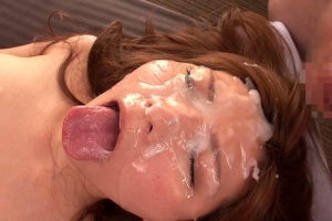 椎名ゆな フェラ顔がエロい美女と手繋ぎSEX!大量顔射で精液まみれになる