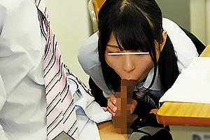 あおいれな 元女子校の美少女JKが無防備にパンツを見せてきてフェラの練習台にしてくる