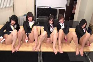 某有名メーカー入社式直後にカラダを張ったリアル研修で女子社員たちが汁まみれに濃密大乱交