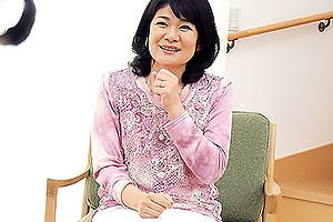 相葉昌子 露出願望のある五十路熟女がAVデビュー!若い男優に腰振られ悶絶イキ!